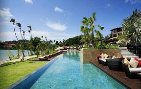 Radisson Plaza Blu Resort Phuket Panwa Beach